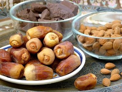Zutaten Schokoladendatteln mit Mandeln - Datteln - Schokolade