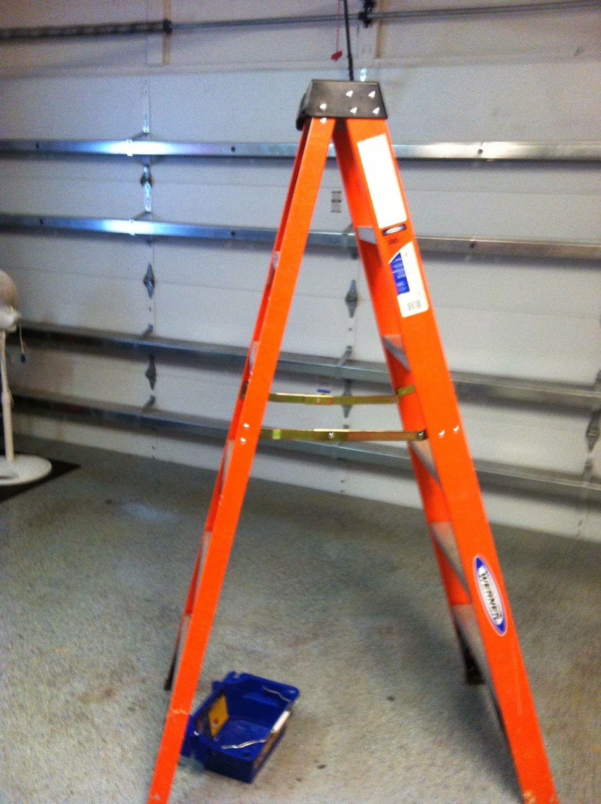 The tool review guy werner 6 ft fiberglass 300 lb type ia step ladder werner 6 ft fiberglass 300 lb type ia step ladder sciox Images