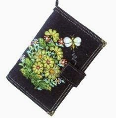 chrysant embroidered wallet