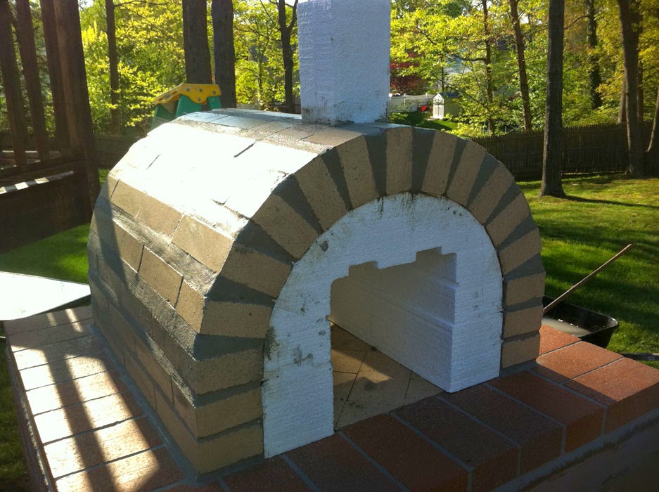 how to build a wood fired pizza oven base