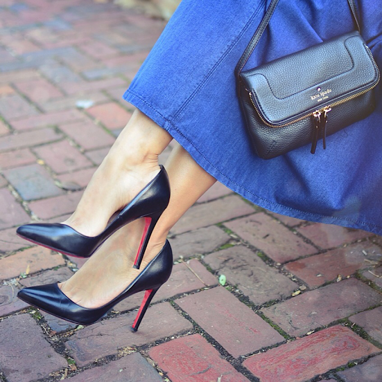 Louboutin Pigalle black pumps