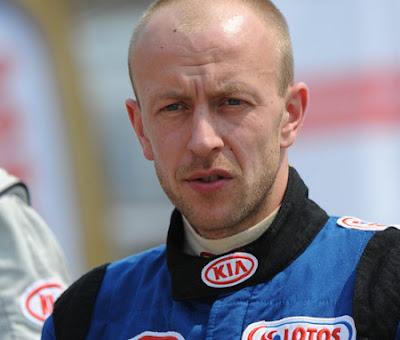 Michał Trocki za kierownicą Picanto