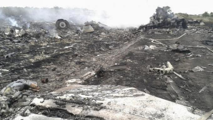 Kumpulan Foto dan Video Tragedi Malaysia Airlines MH-17 Jatuh