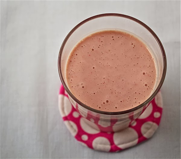 almond milk fruit smoothie