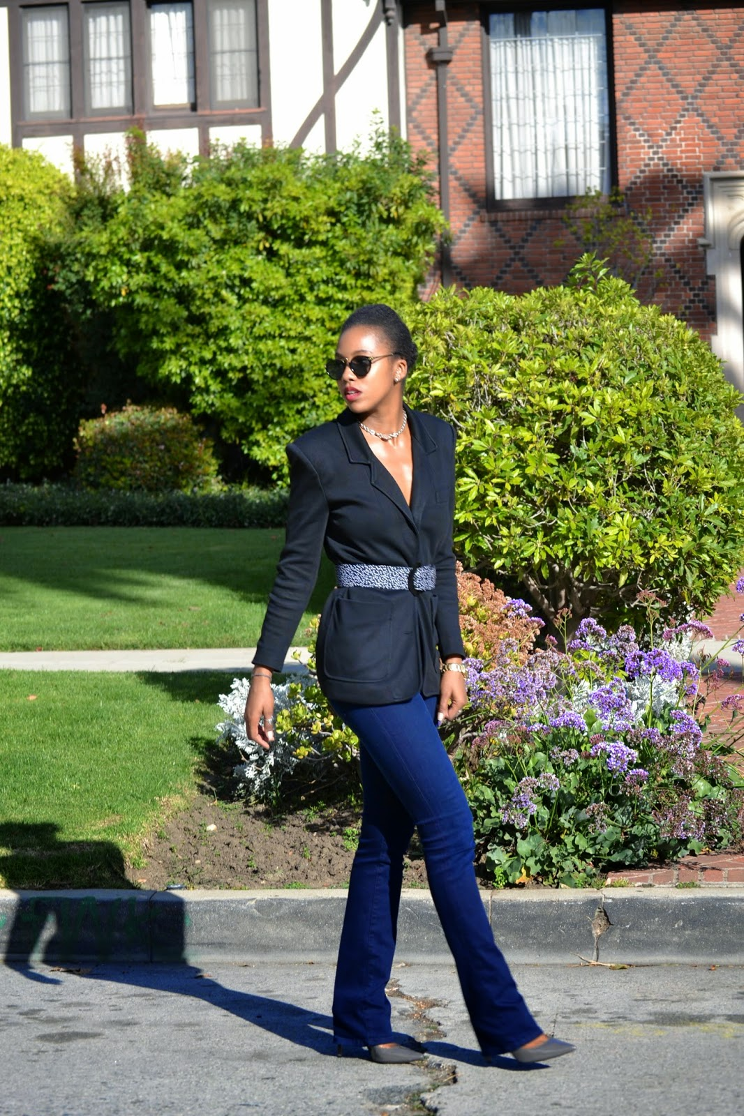 business casual outfit details - Ann Taylor blazer vintage belt Joe's Jeans  Enzo Angiolini pumps