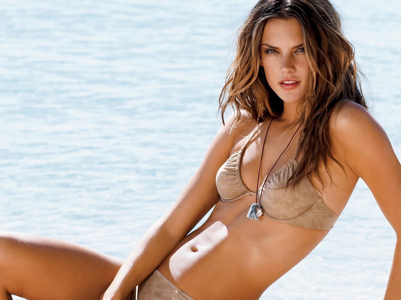 http://4.bp.blogspot.com/-F3ORCz-fnjI/TnWUfiVMlOI/AAAAAAAAA5M/sP-0SG7LO78/s1600/Alessandra-Ambrosio-Sexy-In-Bikini-Wallpaper.jpg