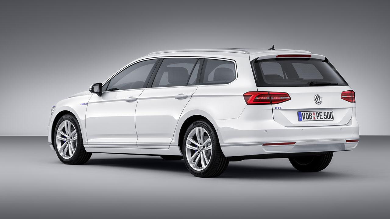Volkswagen Passat GTE Plug-In Hybrid wagon rear