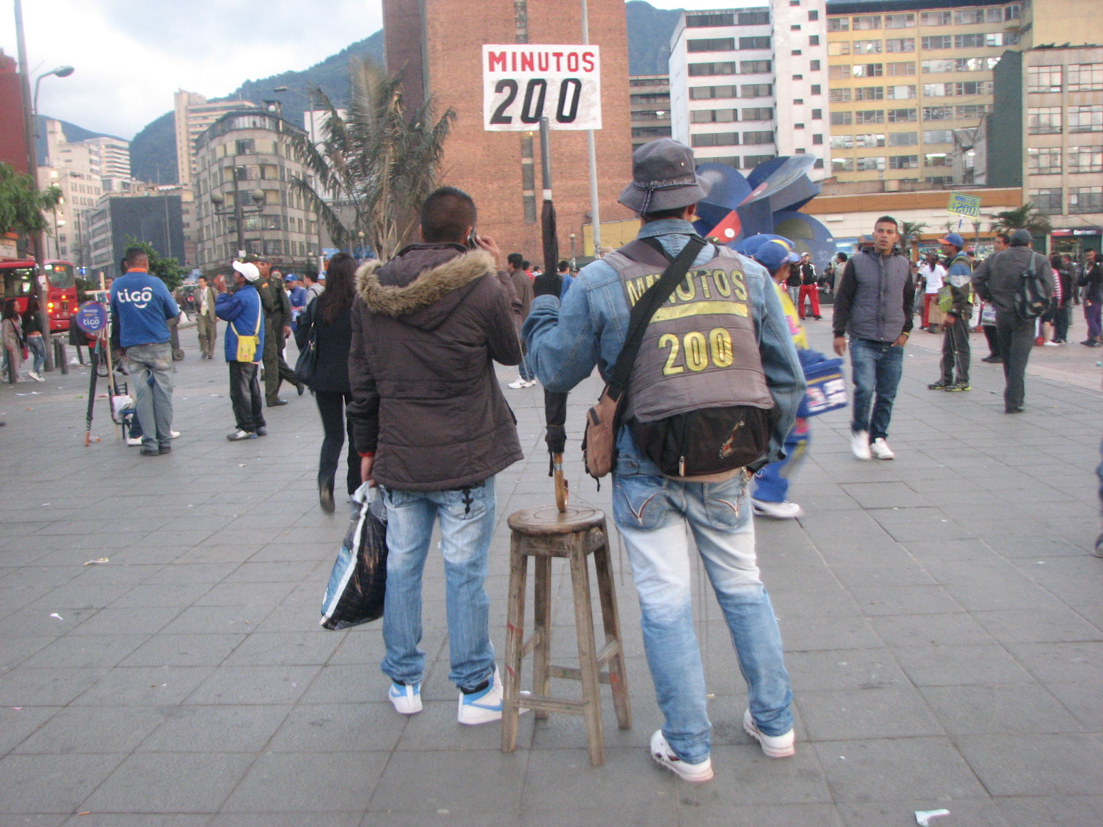 Bogotá's Minute Men (and Women