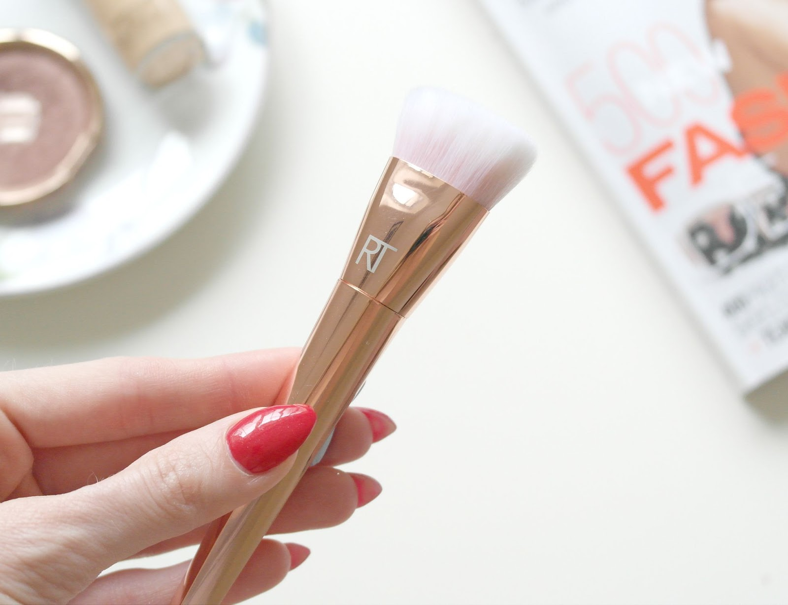 real techniques bold metals contour brush. real techniques bold metals 301 flat contour brush review, beauty blog