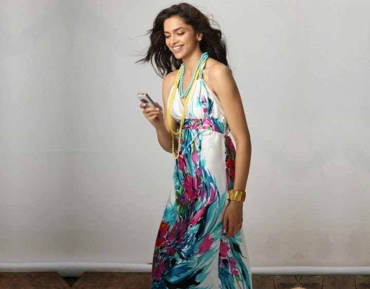 Deepika Padukone in white gown tight underewear black panty pics