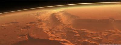 Photo de couverture facebook le plus grand canyon du système solaire