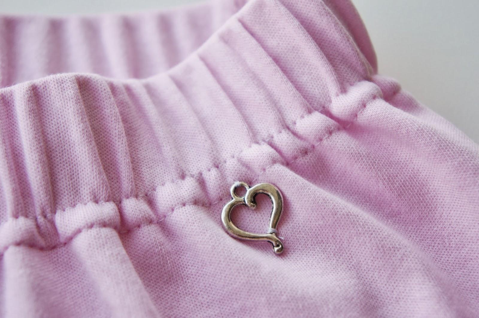 Ползунки с подвеской-сердечком