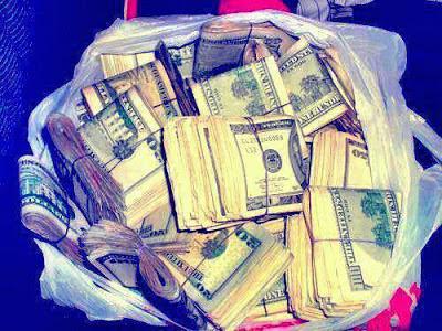 Bolsa con dinero