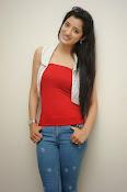 Richa Panai latest glamorous photos-thumbnail-19