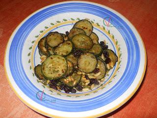 Ensalada árabe de calabacín frito.