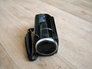 De voorkant van de Sony HDR-XR260