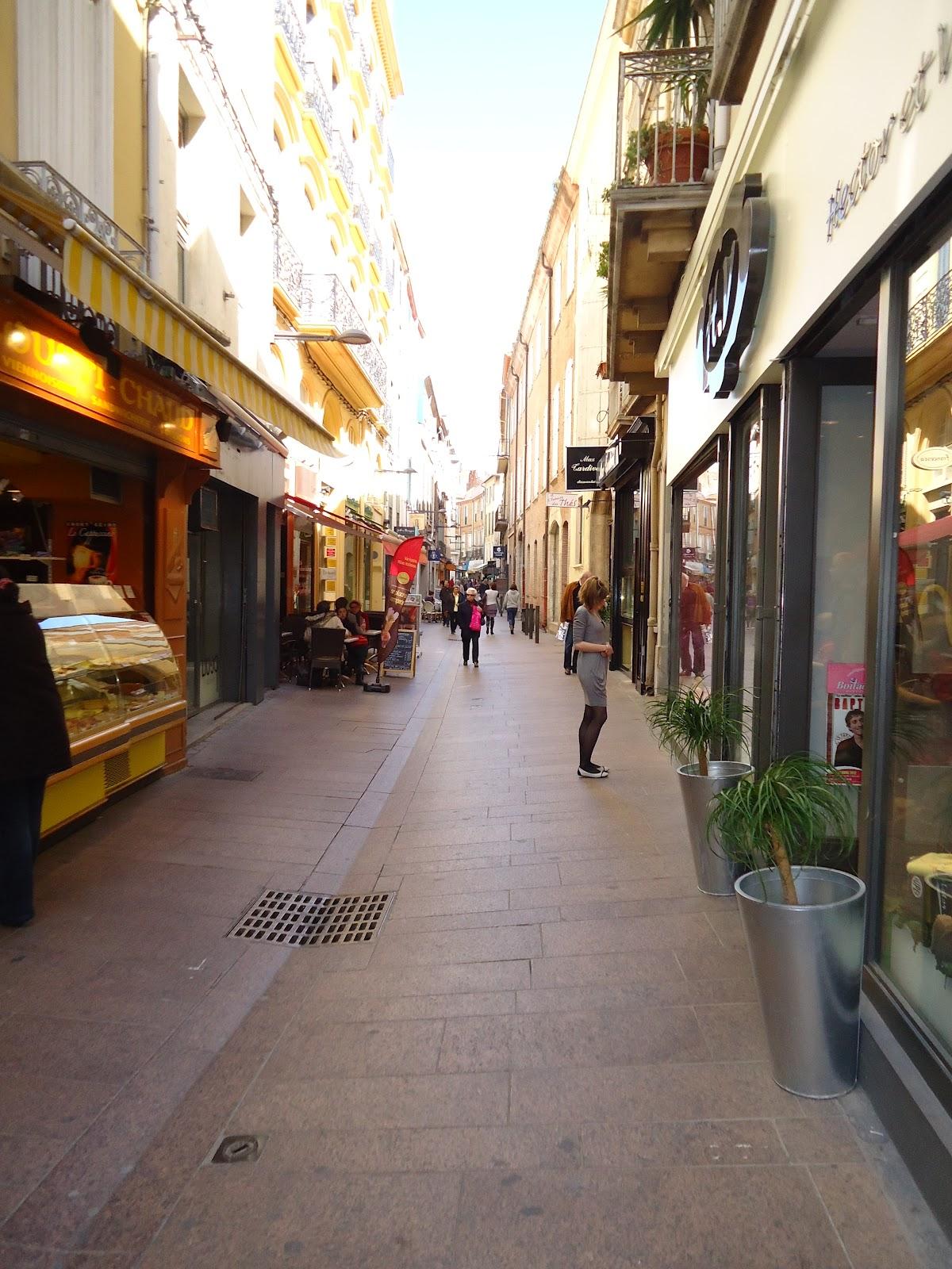 Get real france rue de l 39 ange angel street perpignan - Mobilier de france perpignan ...