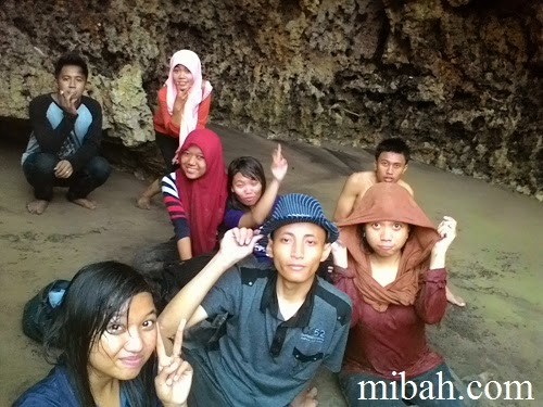 Team Ke pantai Serang Blitar