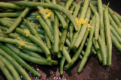 Sauteed green beans with lemon zest