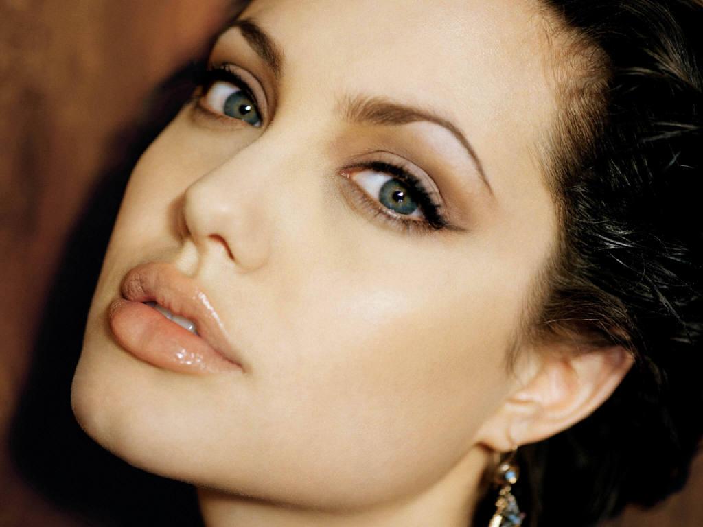 http://4.bp.blogspot.com/-F5DeFNLtk-I/TvUwm9hLlNI/AAAAAAABd2g/q8-DmtP4yKY/s1600/Angelina+Jolie+%25289%2529.JPG