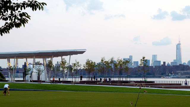 05-Hunters-Point-South-Waterfront-Park-by-Thomas-Balsley-Associates-and-Weiss/Manfredi