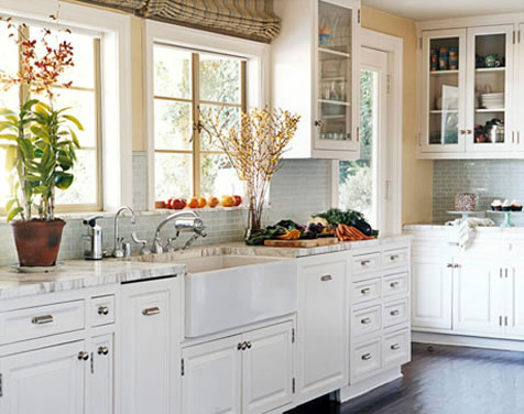 Kitchen Decor: Kitchen With White Appliances
