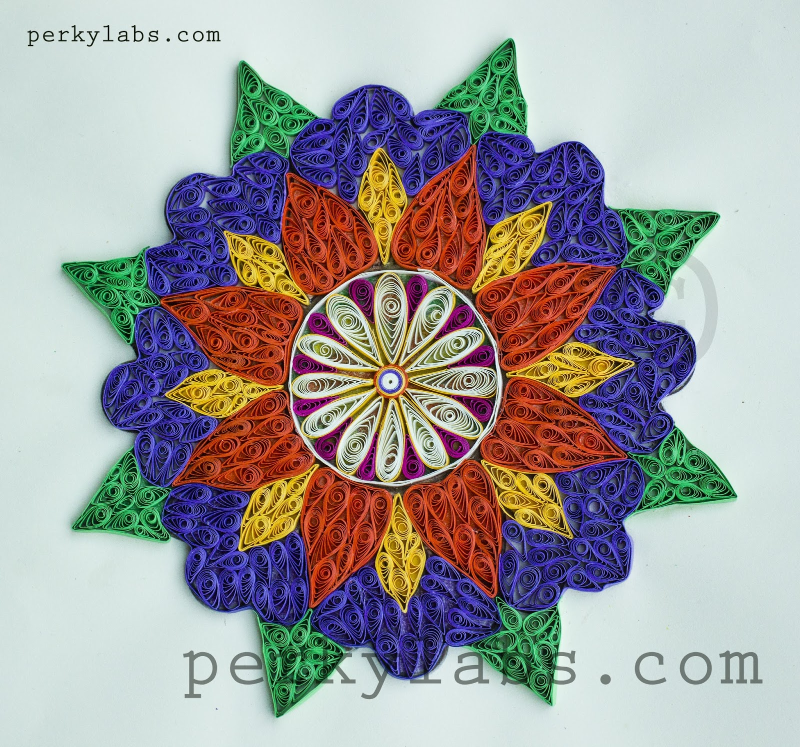 Perkylabs quilled frame mosaic quilling design for Quilling strips designs