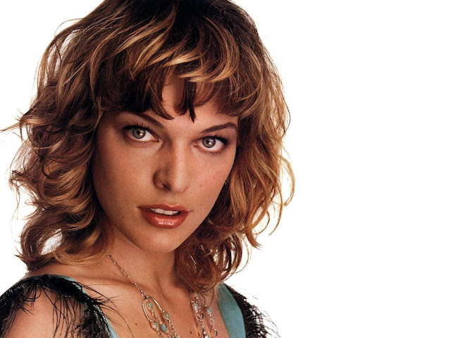 Milla Jovovich green eyes