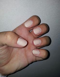 Manicure kremowy