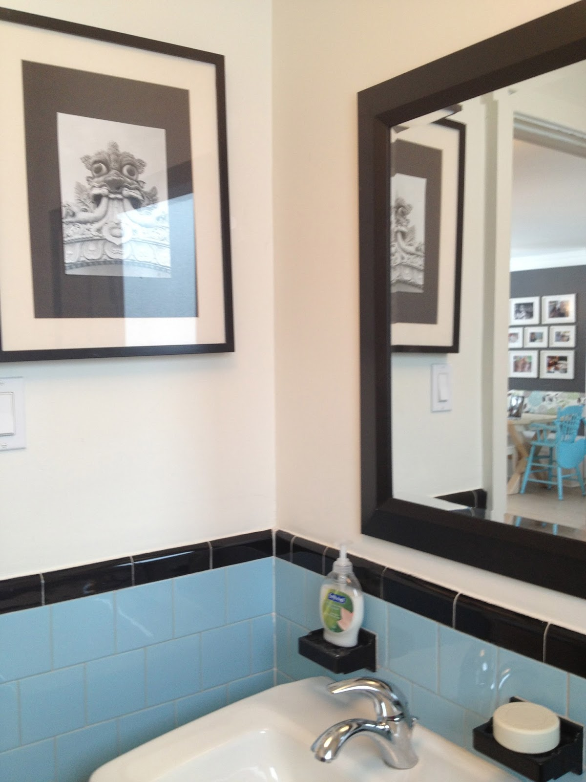 How to Stage an Old Bathroom from ZenShmen - Home Staging - DIY