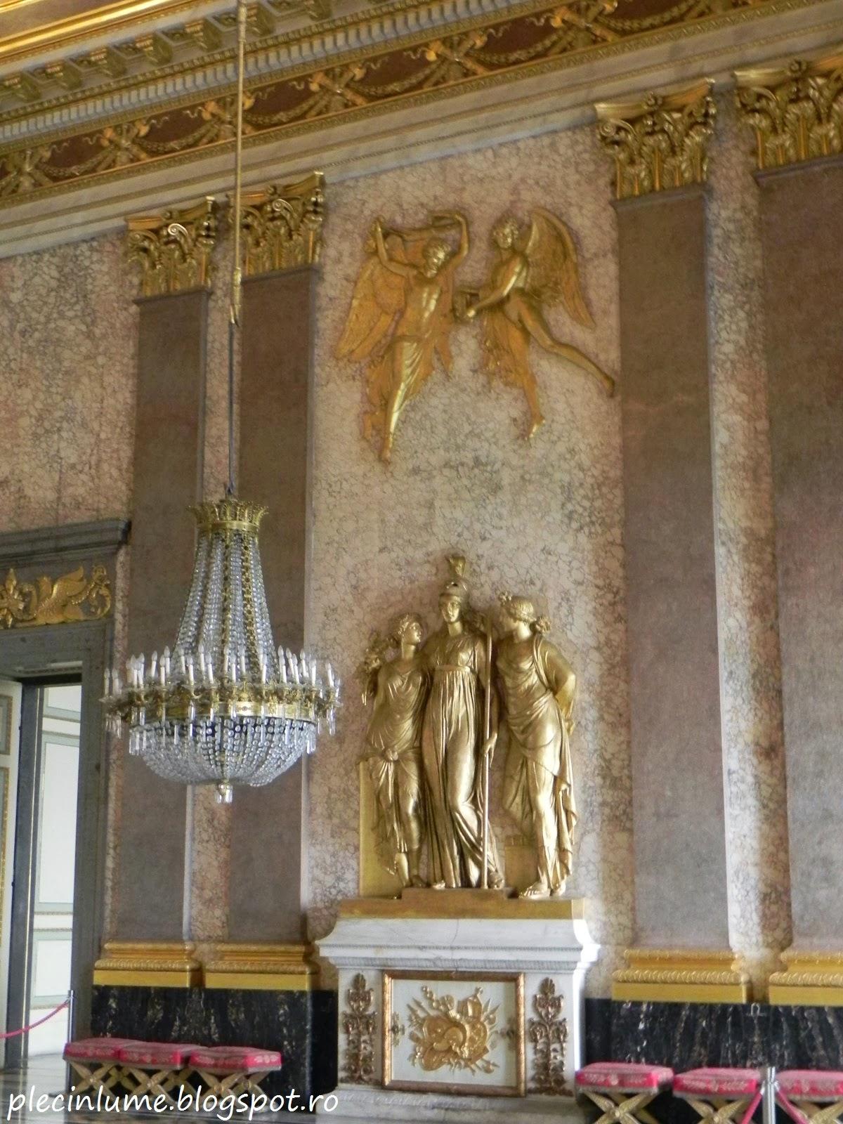 O camera a palatului Caserta