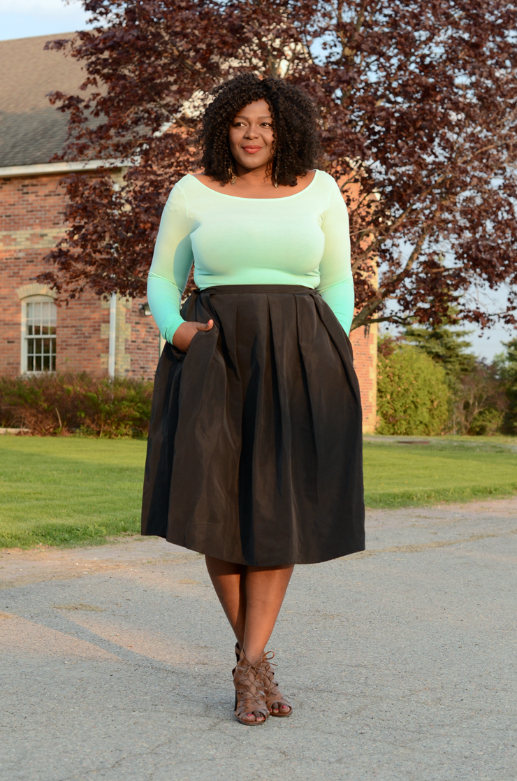 Trendy-plus-size-fashion pleated midi skirt from 424 Fifth Lord & Taylor #plussize #Canadianblogger