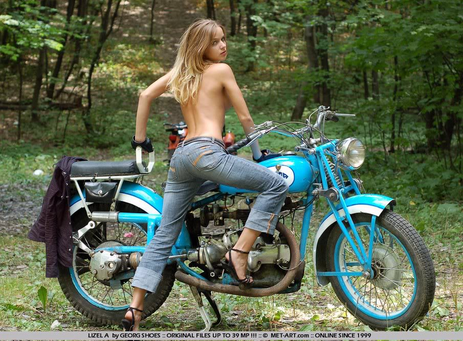 Motorcycle Nude: A Old Chopper Sexy Biker Girl