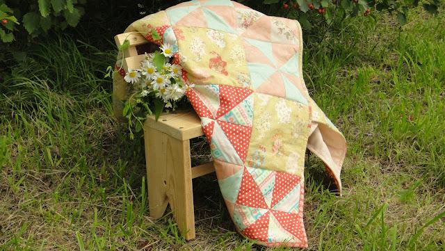 """Розовое одеяло из лоскутов """"Розовые слоники"""" - подарок девочке на день рождения"""