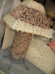 batik , yaitu seni membuat pola hias di atas kain dengan proses teknik ...