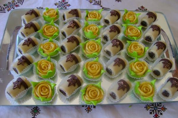 حلوة البيسطاش و الوردة باللوز