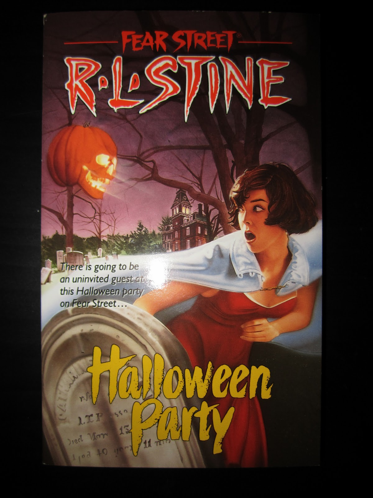 Diary of a Dorkette: Dorkette Book Club: Fear Street- Halloween ...