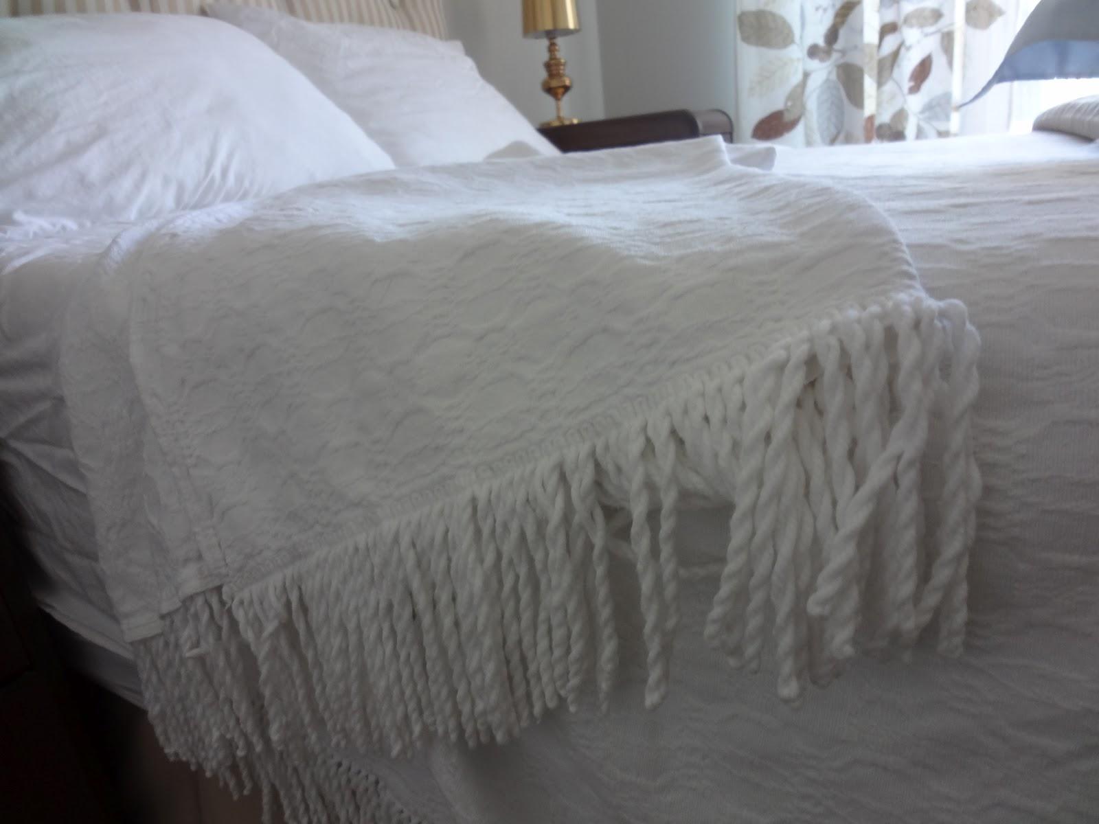 choux gras parce que l 39 usag c 39 est souvent plus beau que du neuf couverture couvre lit. Black Bedroom Furniture Sets. Home Design Ideas
