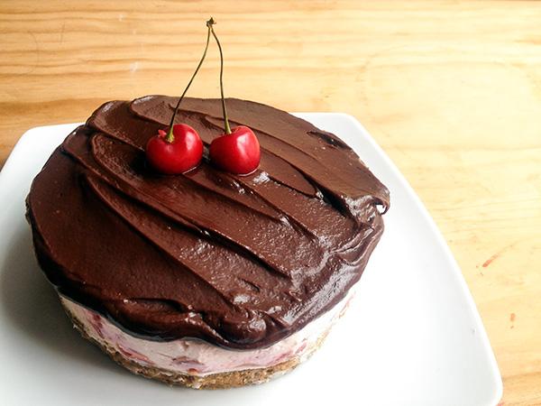 cheesecake de cerezas y chocolate