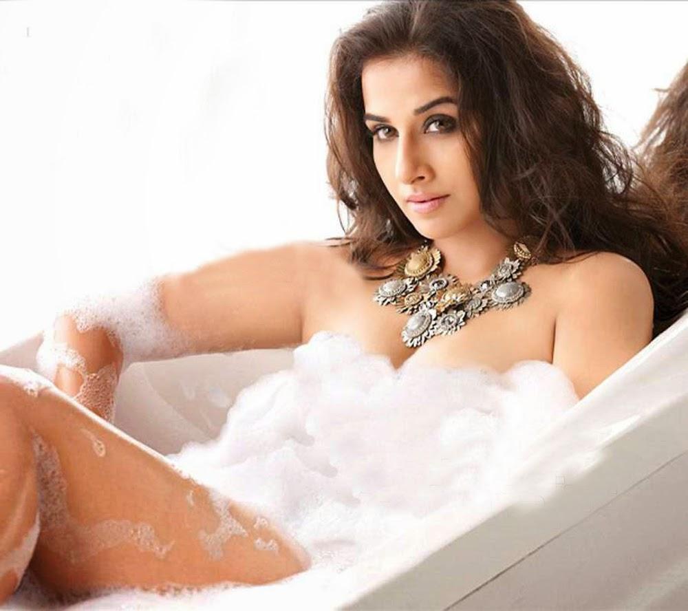 Vidya Balan hot