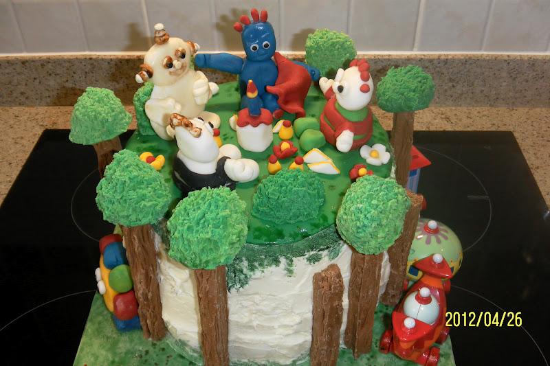 how to make iggle piggle cake topper