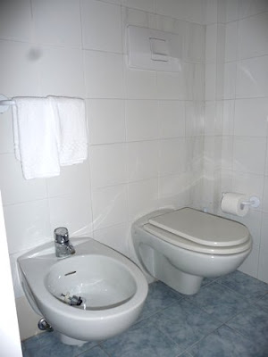 Hotel Claudio Bergeggi Bathroom