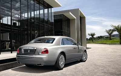 Rolls Royce Ghost vs. Phantom