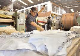 Trabajador (Industria genera trabajo)