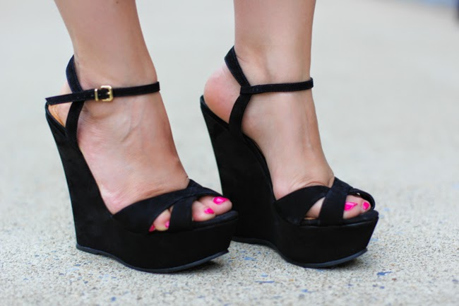 schutz black platform sandals