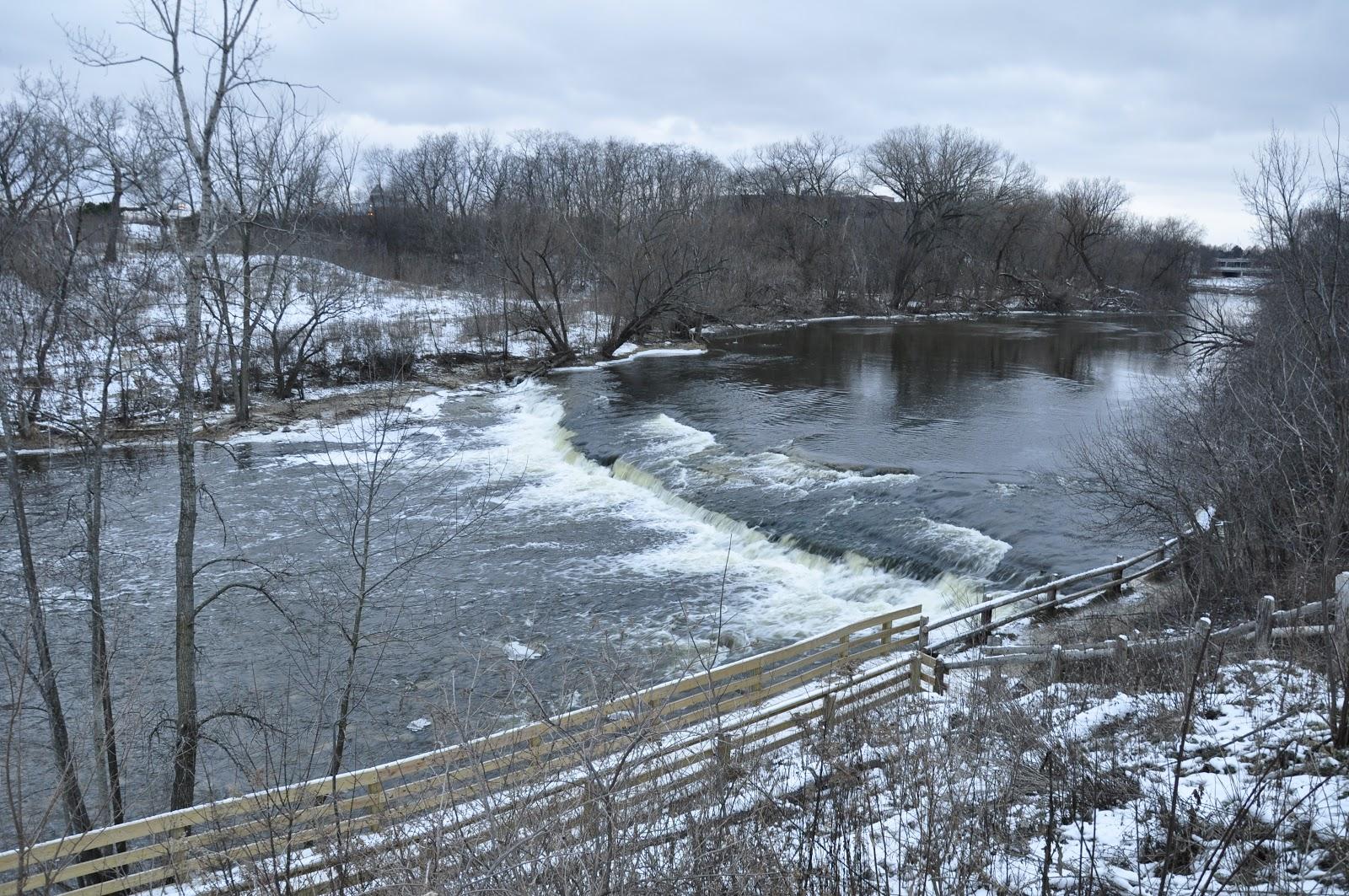 Milwaukee area parks estabrook park outdoors wildlife for Milwaukee river fishing