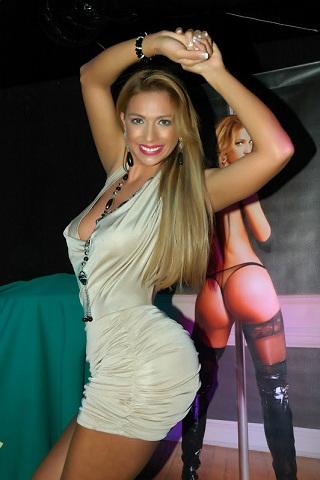 ReportajeEspecial.net: Juliana Rodrigues seduce con sus encantos