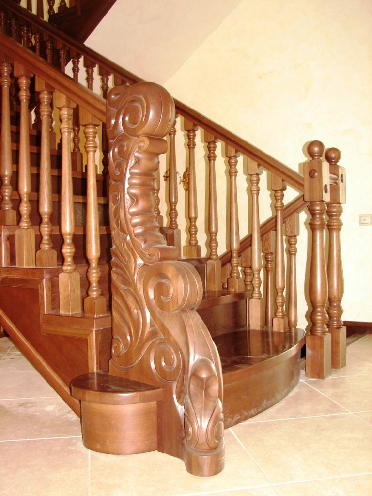 Ассортимент лестниц в Леруа Мерлен: их преимущества