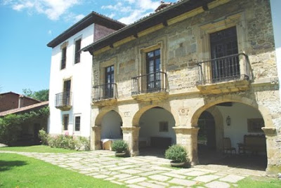 Siero, Tiñana, Palacio de Meres