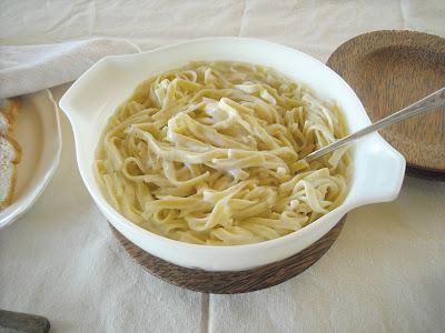 Easy Homemade Fettuccini Alfredo Sauce
